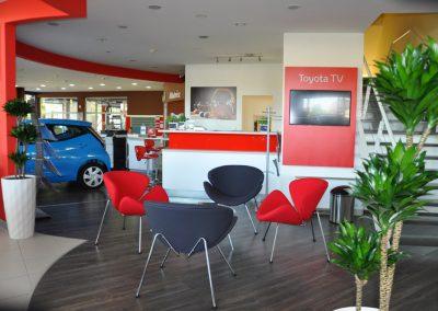 A Toyota kávézó az ügyfelek kényelmét szolgálja