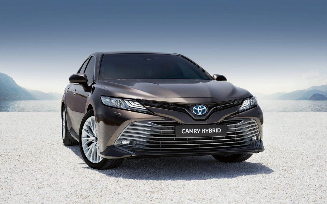 Új Toyota Camry. A legenda visszatért