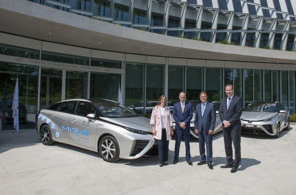 Környezetbarát Mirai modellekkel támogatja a NOB-ot a Toyota
