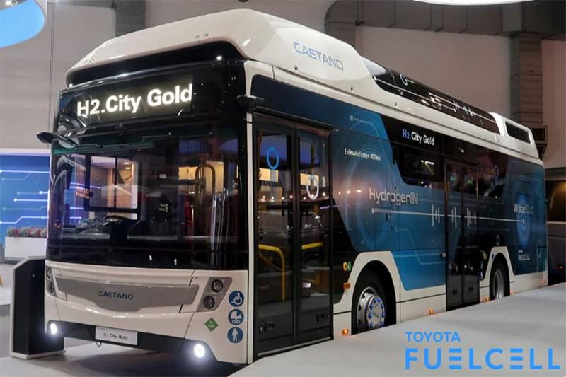 Bemutatták a Toyota-hidrogéncellás új CaetanoBus-t