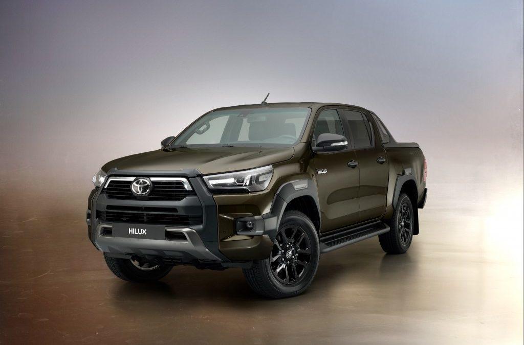 Itt a vadonatúj Toyota Hilux!