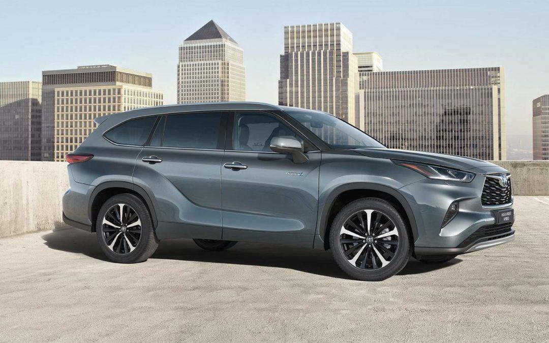 Megérkezett a legnagyobb Toyota hibrid, a Highlander